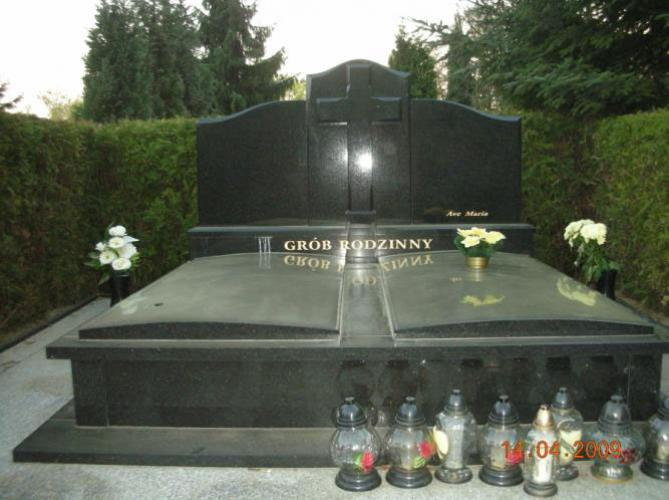 Grobowiec 009